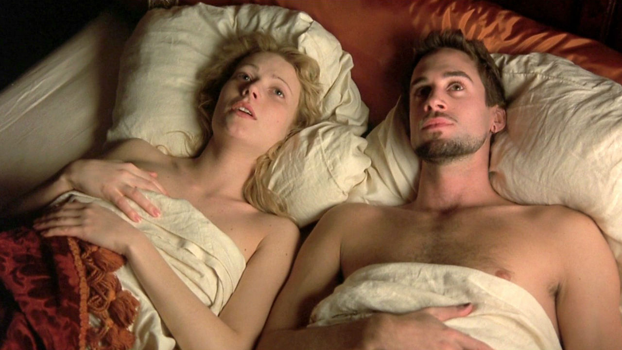 6 incredible movies that are sexier than 50 Shades Of Grey''_shakespeare in love