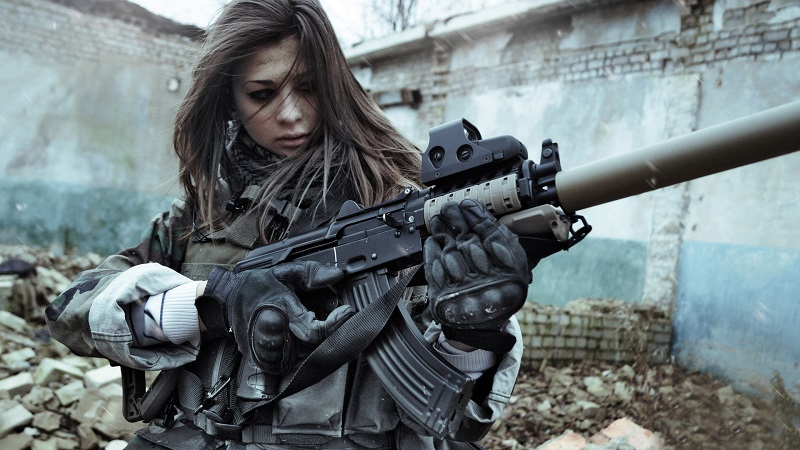 The Most Beautiful Female Soldiers You'll Want To Make Love, Not War With_8