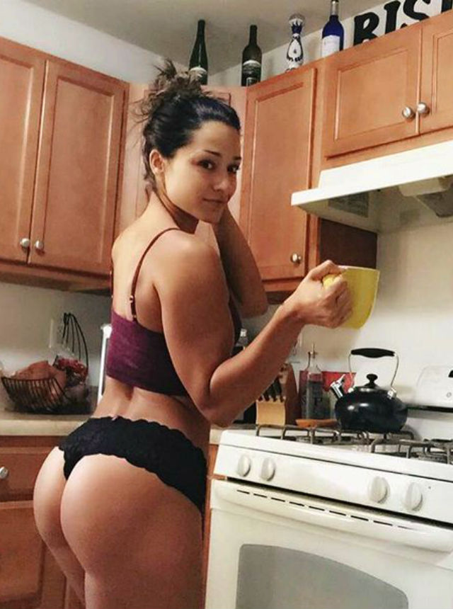 5 Wise Reasons To Find A Girlfriend Who Loves Housekeeping_10