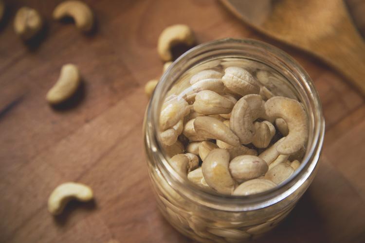 dangerous food_Cashew or Indian nut