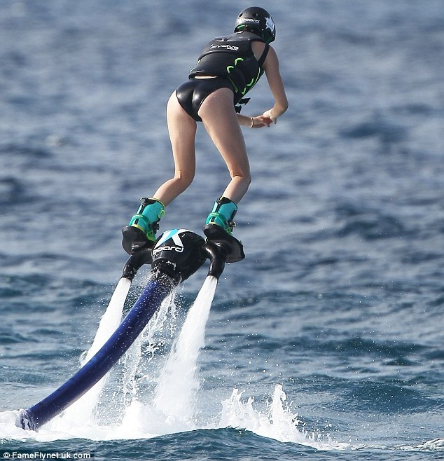 The 5 Most Mind-Blowing Jetpacks_4. Hydro-jetpacks