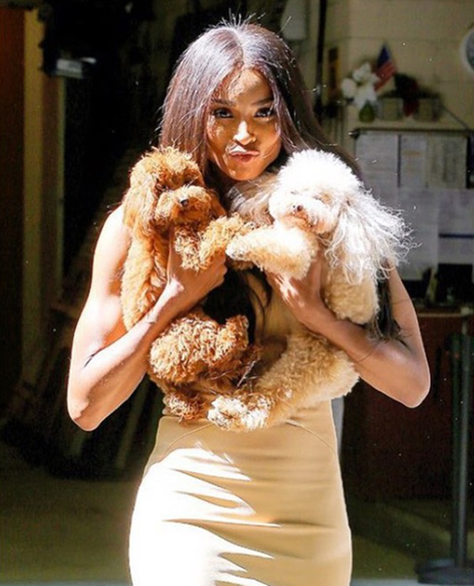 Hot Female Celebs With Their Pets_Ciara