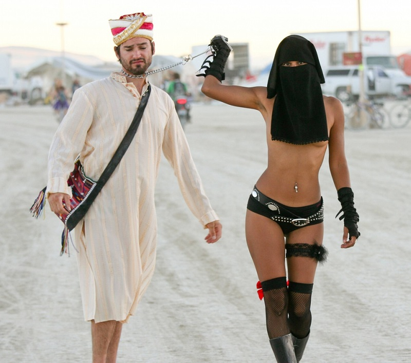 The Hottest Burning Man Babes_1