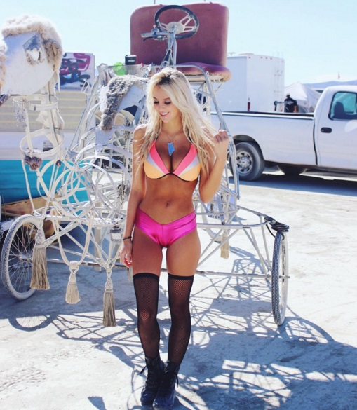 The Hottest Burning Man Babes_11