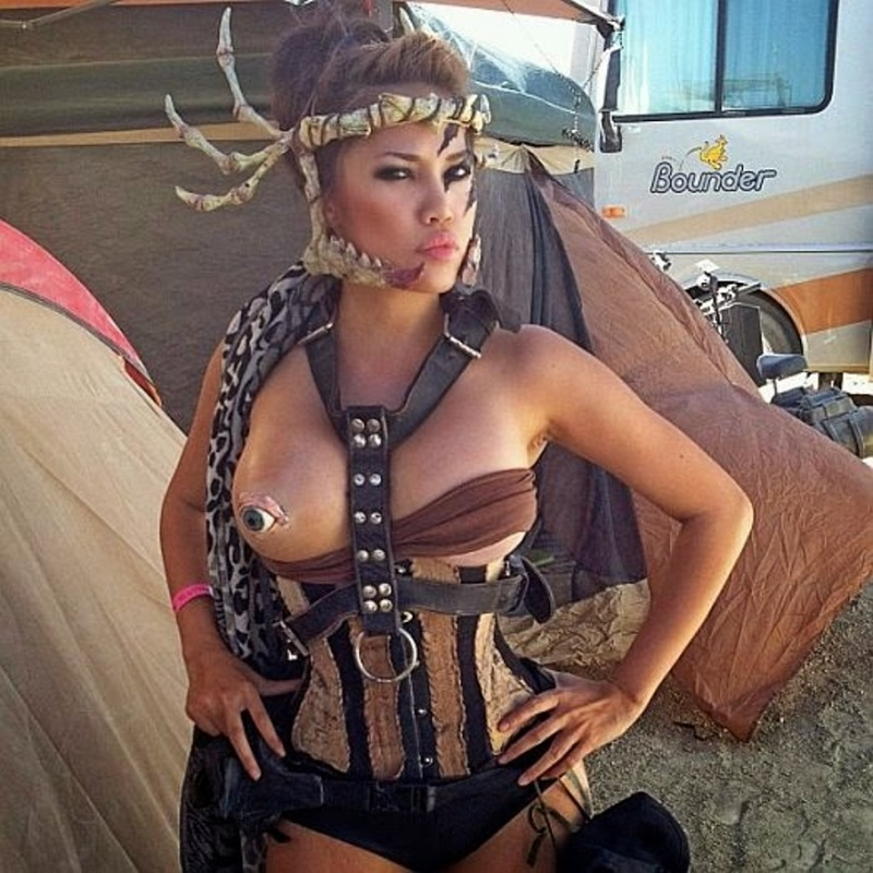 The Hottest Burning Man Babes_8