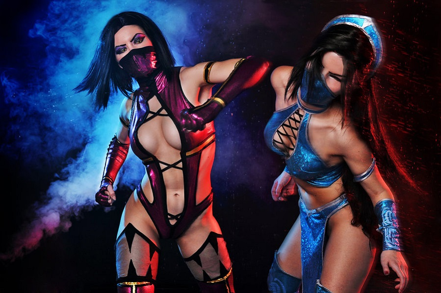 The 7 Hottest Female Video Game Fighters_Kitana and Mileena