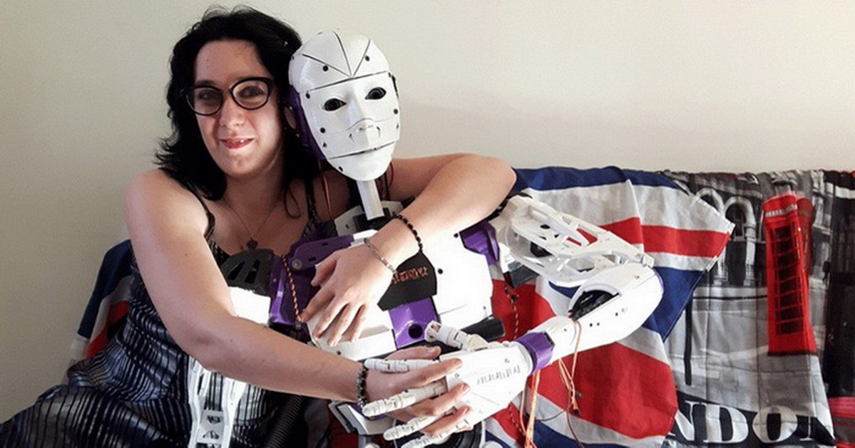 lily and robot_featured