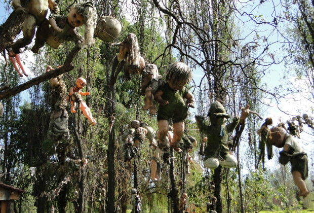 scariest places on earth_mexico doll island