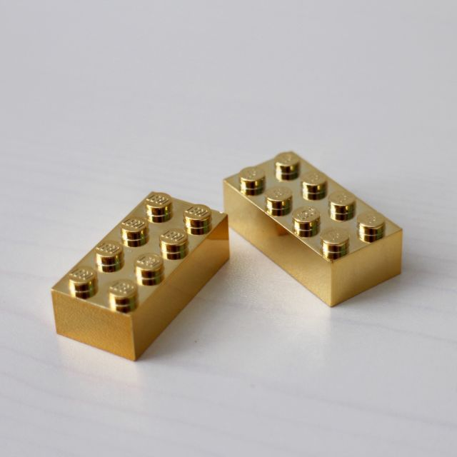 made of pure gold_lego
